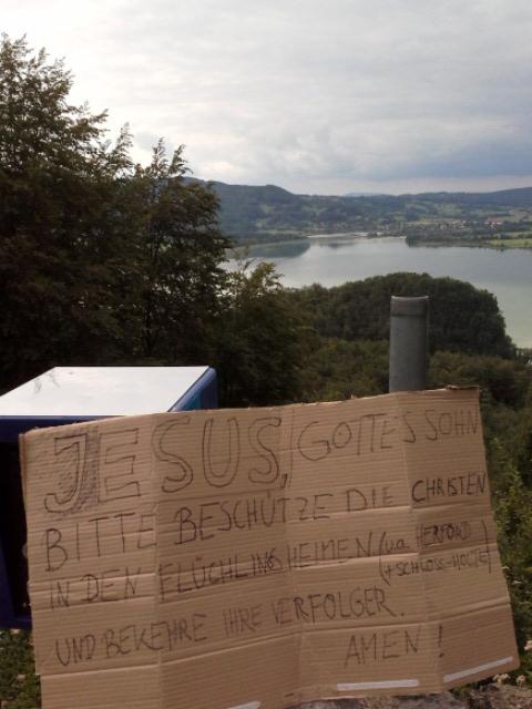 Hilfe-fuer-Fluechtlinge-Bayern-See-170716 785